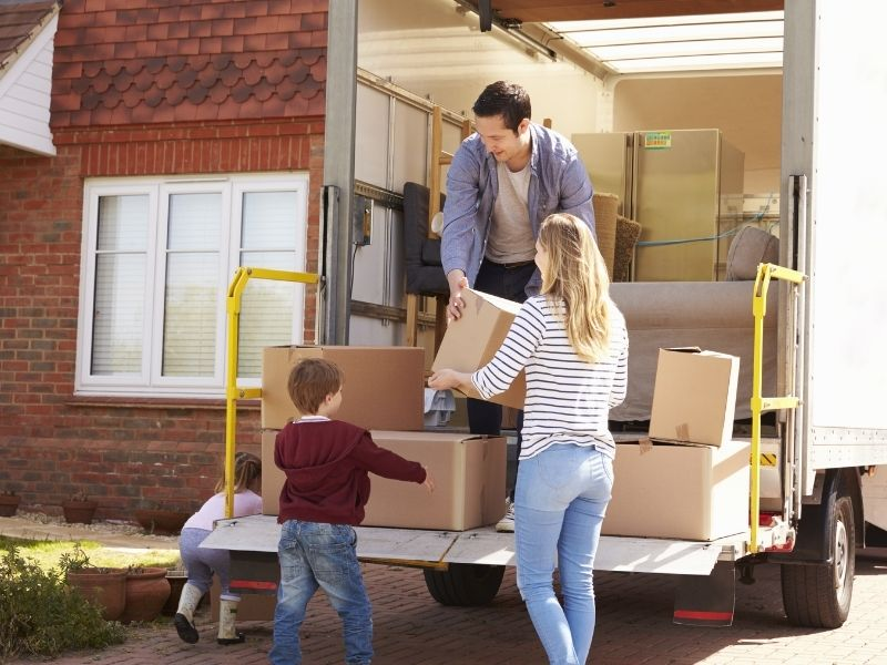 Family moving in to new home